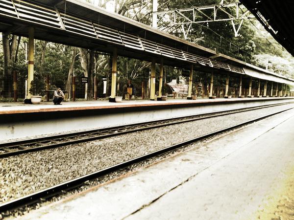 01-01-2013, 12.08 wib, stasiun ui masi sangat sepi…