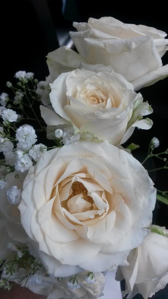 Dapat bunga hasil lempar bunga pengantin, padahal…