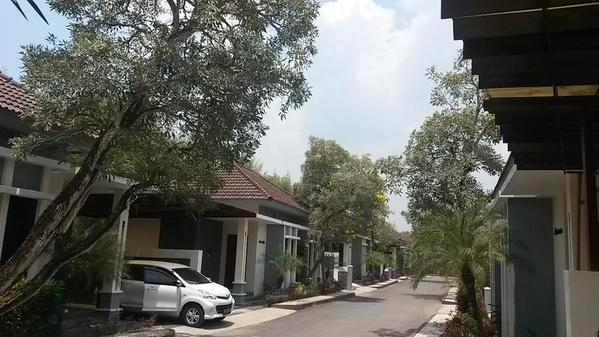 Hotel ala perumahan. #jetleg #sorong http://t.co/v…
