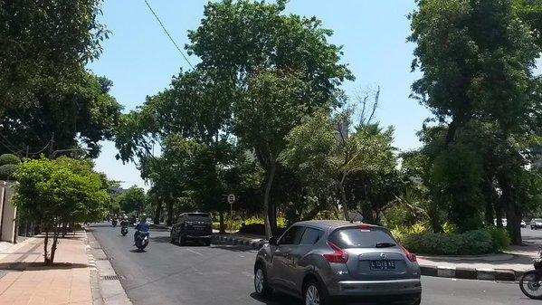 Explorasi jalanan kota surabaya dan sepanjang jala…